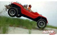 """Un Meyers Manx Dune Buggy modificado y potenciado fue el coche protagonista en la película """"El caso de Thomas Crown"""" de 1968."""