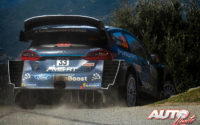 Elfyn Evans, al volante del Ford Fiesta WRC, durante el Rally de Francia - Tour de Corse 2019, puntuable para el Campeonato del Mundo de Rallies WRC.