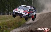 Kris Meeke, al volante del Toyota Yaris WRC, durante el Rally de Finlandia 2019, puntuable para el Campeonato del Mundo de Rallies WRC.