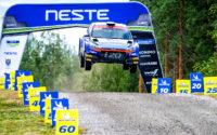 Jari Huttunen, al volante del Hyundai i20 R5 WRC2, durante el Rally de Finlandia 2019, puntuable para el Campeonato del Mundo de Rallies WRC2.