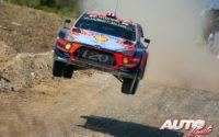 Andreas Mikkelsen, al volante del Hyundai i20 Coupé WRC, durante el Rally de Turquía 2019, puntuable para el Campeonato del Mundo de Rallies WRC.