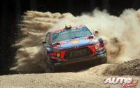 Thierry Neuville, al volante del Hyundai i20 Coupé WRC, durante el Rally de Turquía 2019, puntuable para el Campeonato del Mundo de Rallies WRC.