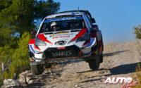 Kris Meeke, al volante del Toyota Yaris WRC, durante el Rally de España 2019, puntuable para el Campeonato del Mundo de Rallies WRC.