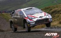Ott Tänak, al volante del Toyota Yaris WRC, ganador del Rally de Gran Bretaña / Gales 2019, puntuable para el Campeonato del Mundo de Rallies WRC.