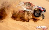Fernando Alonso, al volante del Toyota Hilux V8 4x4, durante el Rally Dakar 2020.
