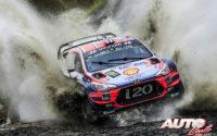 Andreas Mikkelsen, al volante del Hyundai i20 Coupé WRC, durante el Rally de Gran Bretaña / Gales 2019, puntuable para el Campeonato del Mundo de Rallies WRC.
