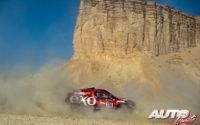 Cristina Gutiérrez, al volante del Mitsubishi Eclipse Cross Dakar Sodicars 4x4, durante el Rally Dakar 2020.