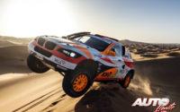 Isidre Esteve, al volante del BMW BV6 Mecatech 4x4, durante el Rally Dakar 2020.