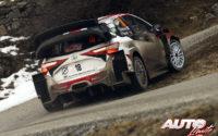 Takamoto Katsuta, al volante del Toyota Yaris WRC, durante el Rally de Montecarlo 2020, puntuable para el Campeonato del Mundo de Rallies WRC.