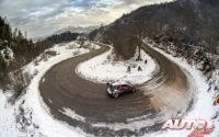 Elfyn Evans, al volante del Toyota Yaris WRC, durante el Rally de Montecarlo 2020, puntuable para el Campeonato del Mundo de Rallies WRC.