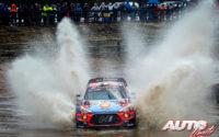 Thierry Neuville, al volante del Hyundai i20 Coupé WRC, durante el Rally de Suecia 2020, puntuable para el Campeonato del Mundo de Rallies WRC.