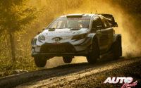 Jari-Matti Latvala, al volante del Toyota Yaris WRC, durante el Rally de Suecia 2020, puntuable para el Campeonato del Mundo de Rallies WRC.