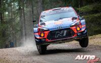 Ott Tänak, al volante del Hyundai i20 Coupé WRC, durante el Rally de Suecia 2020, puntuable para el Campeonato del Mundo de Rallies WRC.