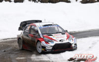 Sébastien Ogier, al volante del Toyota Yaris WRC, durante el Rally de Montecarlo 2020, puntuable para el Campeonato del Mundo de Rallies WRC.