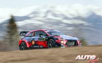 Ott Tänak, al volante del Hyundai i20 Coupé WRC, durante el Rally de Montecarlo 2020, puntuable para el Campeonato del Mundo de Rallies WRC.