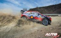 Ott Tänak, al volante del Hyundai i20 Coupé WRC, durante el Rally de México 2020, puntuable para el Campeonato del Mundo de Rallies WRC.
