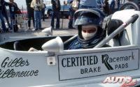 """Gilles Villeneuve subido en el """"cockpit"""" del March-Ford 76B con el que conquistaba el título en la Fórmula Atlantic de 1976."""