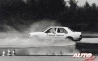 """Pruebas del """"ABS"""" y el control de estabilidad """"ASR / TCS"""" en las pistas de desarrollo de Bosch en Schwieberdingen (Alemania) a lo largo de 1992."""