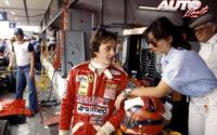 Gilles Villeneuve, junto a su esposa, Joann Barthe, durante el GP de España de 1978, disputado en el circuito del Jarama.