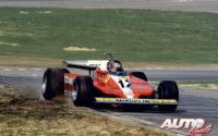 Gilles Villeneuve, al volante del Ferrari 312 T3, obtenía la victoria en la Carrera de Campeones de 1979, disputada en el circuito de Brands Hatch (Inglaterra), prueba que no fue puntuable para el Campeonato del Mundo de Fórmula 1 de 1979.