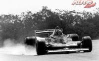 Gilles Villeneuve, al volante del Ferrari 312 T4, durante el GP de Francia de 1979, disputado en el circuito de Dijon-Prenois.