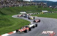 Gilles Villeneuve, al volante del Ferrari 312 T4, liderando durante la salida del GP de Austria de 1979, disputado en el circuito de Osterreichring.