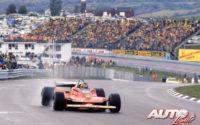 Gilles Villeneuve, al volante del Ferrari 312 T4, obtenía la victoria en el GP de EEUU del Este de 1979, disputado en el circuito de Watkins Glen.
