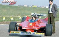 Gilles Villeneuve, junto a Jody Scheckter, durante la presentación del nuevo Ferrari 312 T5 de la temporada 1980 en el circuito de Fiorano.