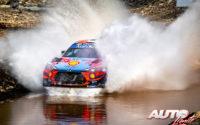 Ott Tänak, al volante del Hyundai i20 Coupé WRC, durante el Rally de Turquía 2020, puntuable para el Campeonato del Mundo de Rallies WRC.