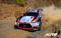 Pierre-Louis Loubet, al volante del Hyundai i20 Coupé WRC, durante el Rally de Turquía 2020, puntuable para el Campeonato del Mundo de Rallies WRC.