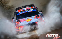 Sébastien Loeb, al volante del Hyundai i20 Coupé WRC, durante el Rally de Turquía 2020, puntuable para el Campeonato del Mundo de Rallies WRC.