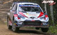 Elfyn Evans, al volante del Toyota Yaris WRC, durante el Rally de Estonia 2020, puntuable para el Campeonato del Mundo de Rallies WRC.