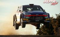 Jari Huttunen, al volante del Hyundai NG i20 R5 WRC 3, durante el Rally de Italia / Cerdeña 2020, puntuable para el Campeonato del Mundo de Rallies WRC 3.