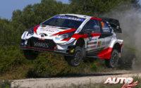 Kalle Rovanperä, al volante del Toyota Yaris WRC, durante el Rally de Italia / Cerdeña 2020, puntuable para el Campeonato del Mundo de Rallies WRC.