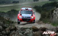 Umberto Scandola, al volante del Hyundai NG i20 R5 WRC 3, durante el Rally de Italia / Cerdeña 2020, puntuable para el Campeonato del Mundo de Rallies WRC 3.