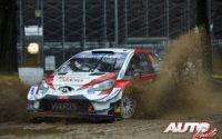 Kalle Rovanperä, al volante del Toyota Yaris WRC, durante el Rally de Monza 2020, puntuable para el Campeonato del Mundo de Rallies WRC.