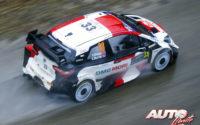 Elfyn Evans, al volante del Toyota Yaris WRC, durante el Rally de Montecarlo 2021, puntuable para el Campeonato del Mundo de Rallies WRC.