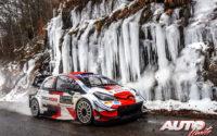 Kalle Rovanperä, al volante del Toyota Yaris WRC, durante el Rally de Montecarlo 2021, puntuable para el Campeonato del Mundo de Rallies WRC.