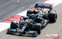 Valtteri Bottas, al volante del Mercedes-AMG W12 E Performance, durante los test de pretemporada realizados en el Circuito Sakhir de Barhéin.