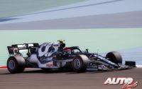 Pierre Gasly, al volante del AlphaTauri-Honda AT02, durante los test de pretemporada realizados en el Circuito Sakhir de Barhéin.
