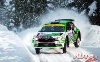 Eyvind Brynildsen, al volante del Skoda Fabia Evo Rally 2, durante el Rally Ártico de Finlandia 2021, puntuable para el Campeonato del Mundo de Rallies WRC 2.