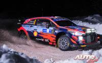 Ott Tänak, al volante del Hyundai i20 Coupé WRC, obtenía la victoria en el Rally Ártico de Finlandia 2021, puntuable para el Campeonato del Mundo de Rallies WRC.