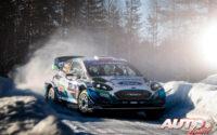 Gus Greensmith, al volante del Ford Fiesta WRC, durante el Rally Ártico de Finlandia 2021, puntuable para el Campeonato del Mundo de Rallies WRC.