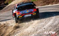 Ott Tänak, al volante del Hyundai i20 Coupé WRC, durante el Rally de Croacia 2021, puntuable para el Campeonato del Mundo de Rallies WRC.
