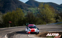 Kalle Rovanperä, al volante del Toyota Yaris WRC, durante el Rally de Croacia 2021, puntuable para el Campeonato del Mundo de Rallies WRC.