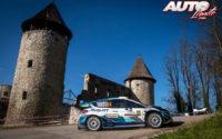 Gus Greensmith, al volante del Ford Fiesta WRC, durante el Rally de Croacia 2021, puntuable para el Campeonato del Mundo de Rallies WRC.