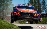 Craig Breen, al volante del Hyundai i20 Coupé WRC, durante el Rally de Croacia 2021, puntuable para el Campeonato del Mundo de Rallies WRC.