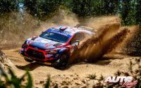 Pierre-Louis Loubet, al volante del Hyundai i20 Coupé WRC, durante el Rally de Portugal 2021, puntuable para el Campeonato del Mundo de Rallies WRC.