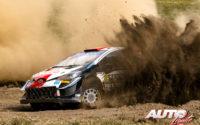 Kalle Rovanperä, al volante del Toyota Yaris WRC, durante el Rally Safari de Kenia 2021, puntuable para el Campeonato del Mundo de Rallies WRC.