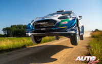 Gus Greensmith, al volante del Ford Fiesta WRC, durante el Rally de Estonia 2021, puntuable para el Campeonato del Mundo de Rallies WRC.
